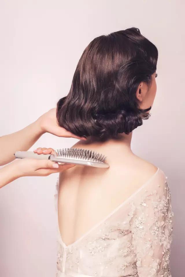 千寻盘发|新娘发型教程,优雅复古风新娘造型(含步骤图)