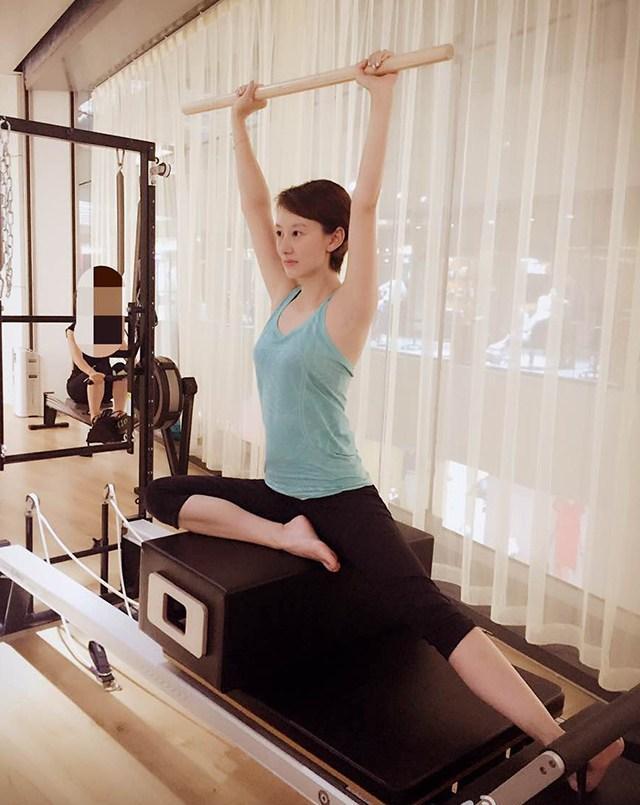 没事就去健身房锻炼,怪不得身材保持的这么好