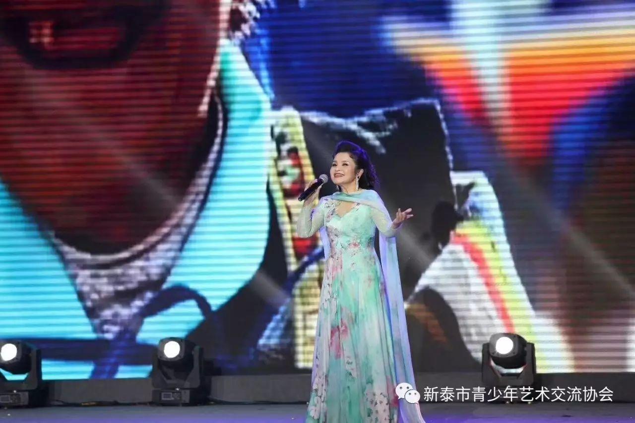 (教授)吴碧霞:中国内地著名歌唱家,下图歌剧,演员.a教授避风塘濑尿虾图片