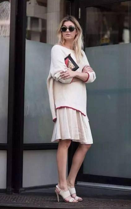 秋日,最美还是针织衫搭配半身裙,变美了很多