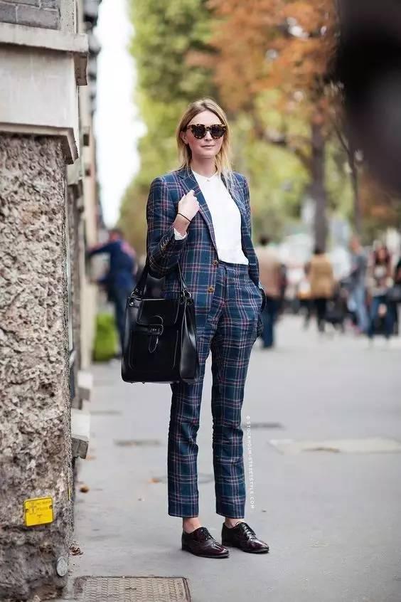 秋天,懒得衣服搭配又想时髦的方法,辣妈看这里!