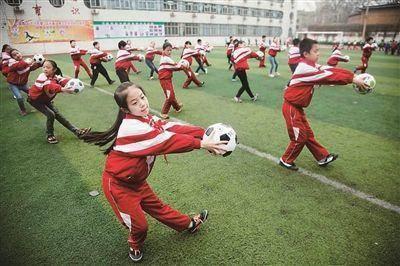 中国足球注册人口_中国足球路在何方,怎么才能冲出亚洲