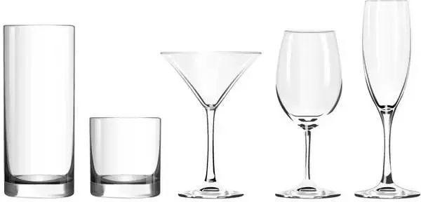 用错水杯影响健康!玻璃杯、不锈钢杯、塑料杯告诉你用哪种杯子最适合!