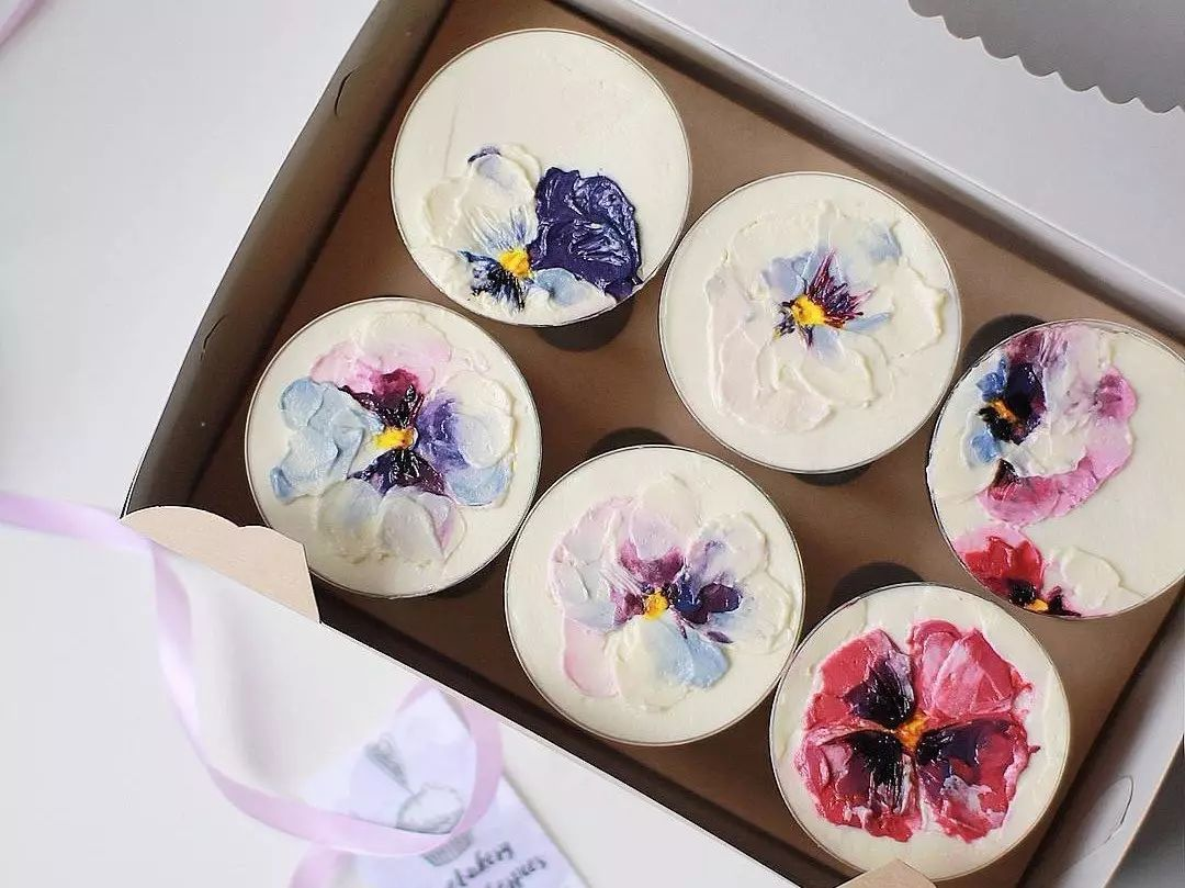 你绝对没有见过的油画蛋糕!出神入化的裱花技术!