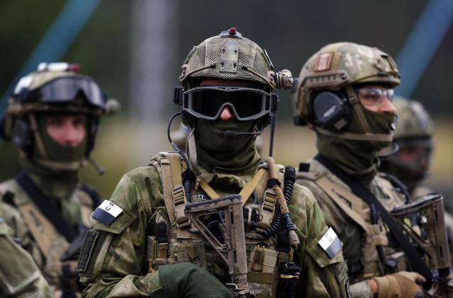 鞍前马后跟美国跑出生入死为美国干,波兰特种兵在伊拉克一战成名