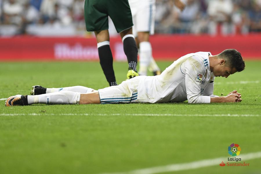 西甲-贝尔中柱C罗屡失良机 皇马补时遭绝杀0-1体育网