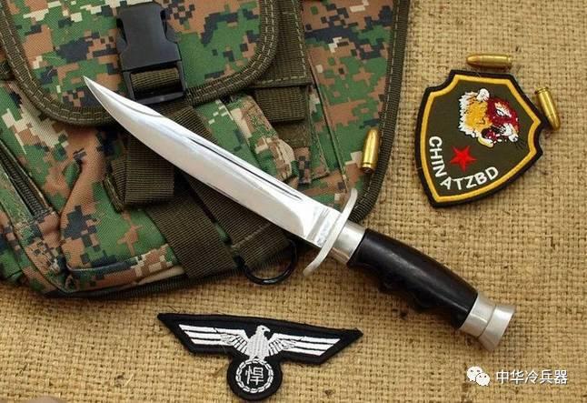 伞兵钩刺囹�a_中国84式侦察兵匕首为何只刺不砍?新式侦察兵匕首又有
