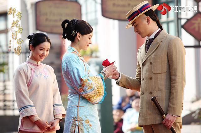 《那年花开》他也爱周莹,颜值超叔叔李亚鹏却不如同学唐嫣文章红_李泽峰