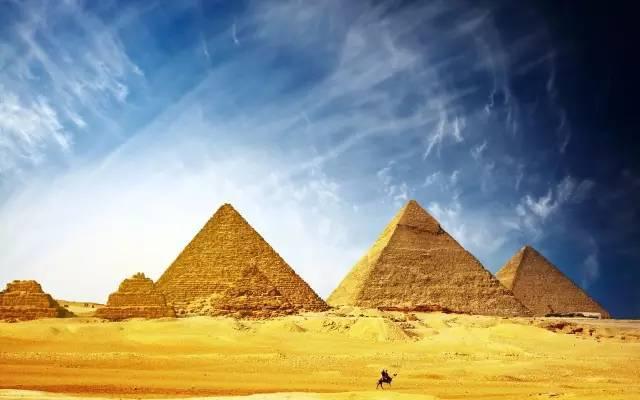 和ta去埃及看金字塔,感受世界七大奇迹的神奇魅力.