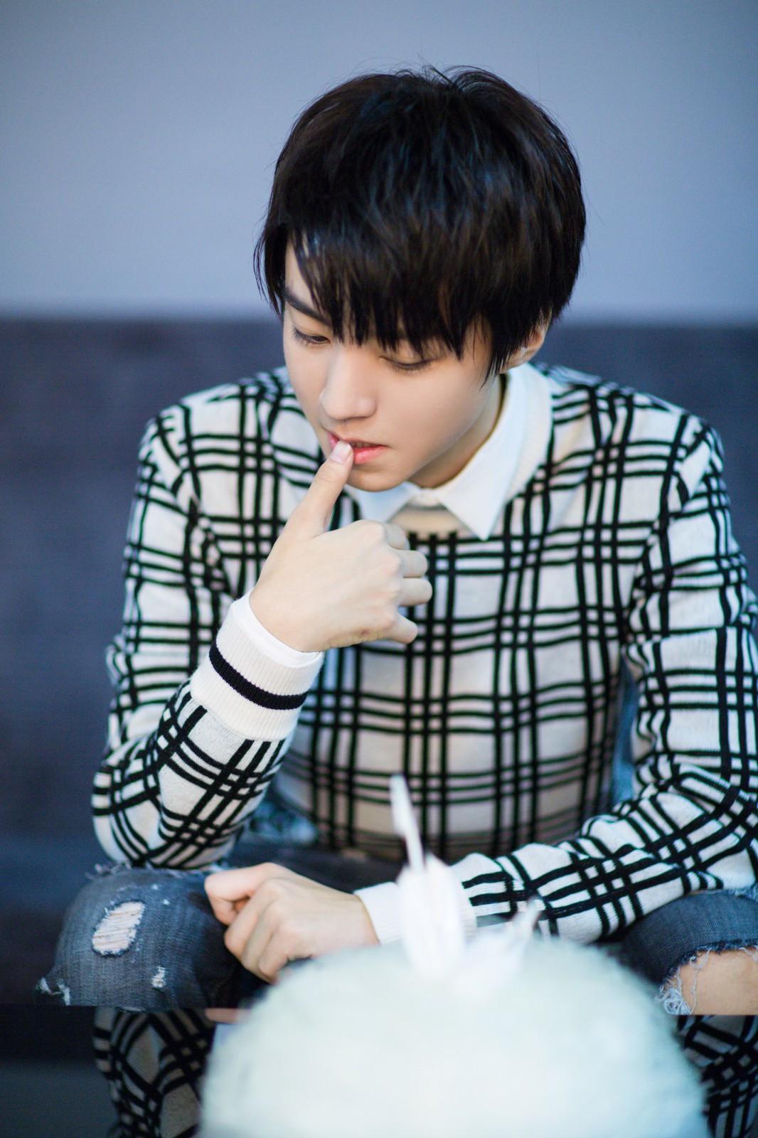 十八岁生日文字_生日快乐呀,我们十八岁的王俊凯.