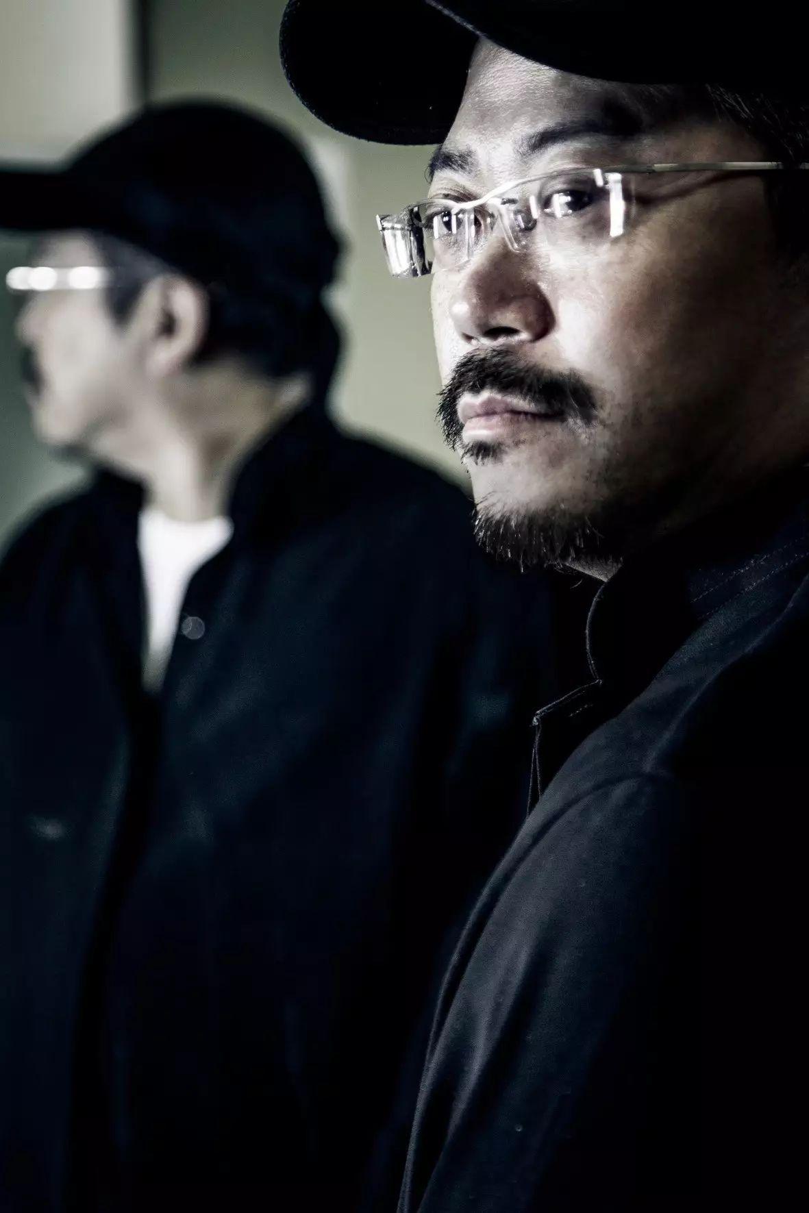 叶锦添,著名的视觉艺术家,电影与舞台美术指导,服装设计师.