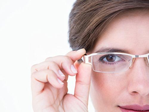 武汉近视眼激光手术安全吗?医生都拒绝这个手术吗?