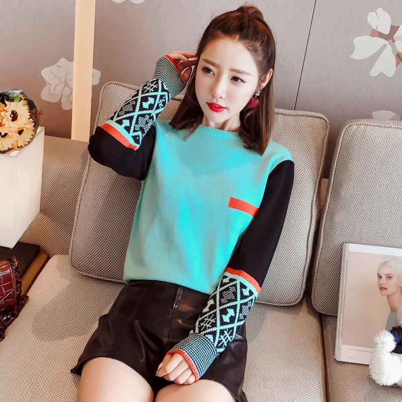 青春减龄的针织衫,是秋季不可或缺的时尚单品!