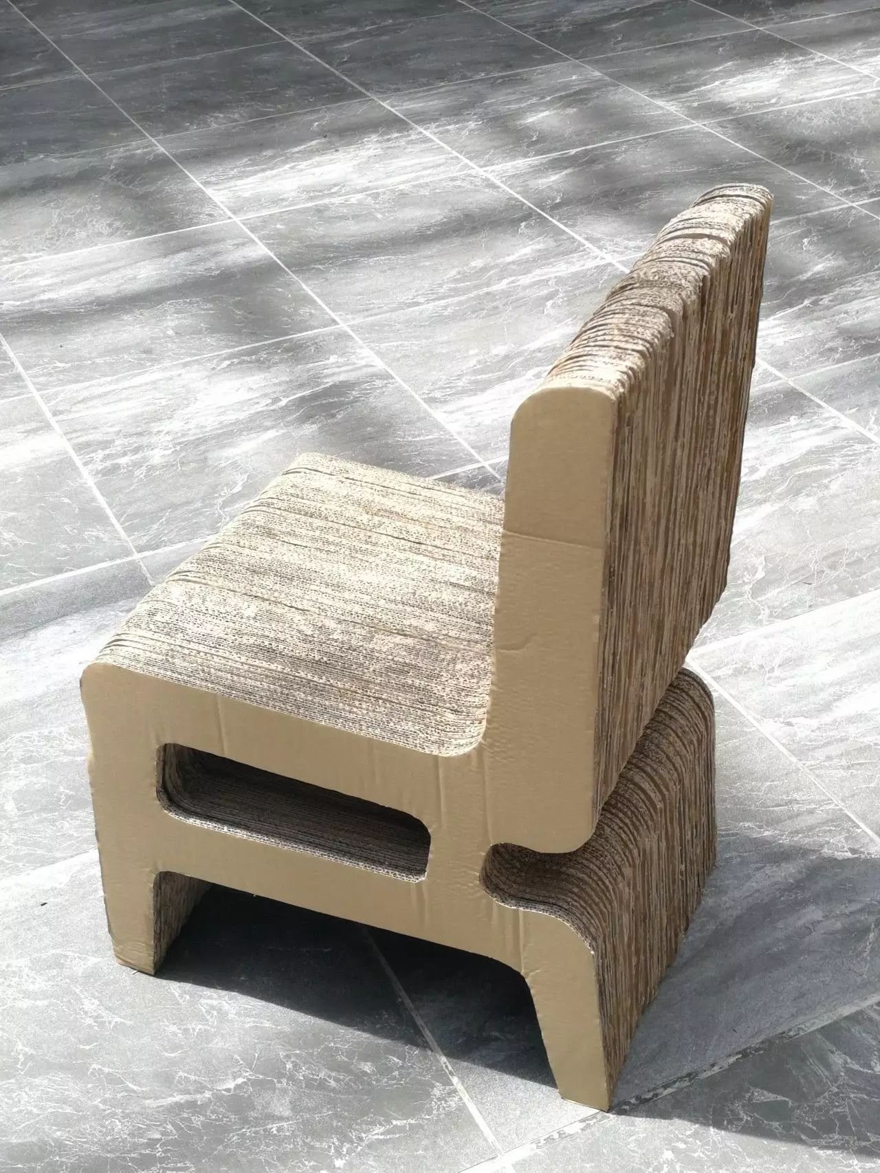 湖旧家具回收_文化 正文  利用瓦楞纸制作而成的家具,不仅100%可以回收,关键其耐用