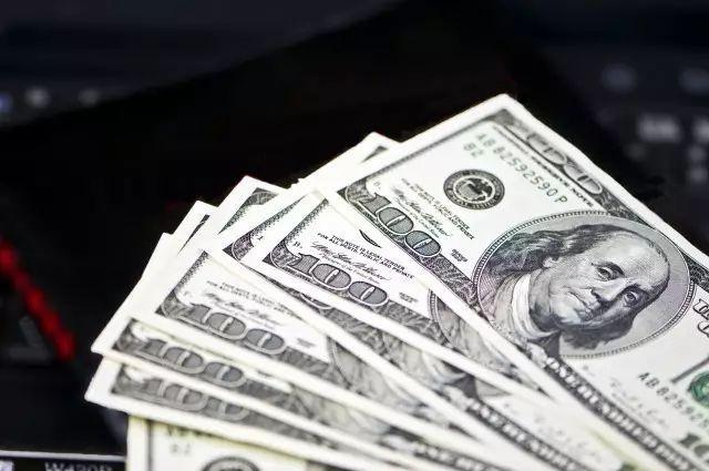 2018年我国经济总量为美元_100美元图片
