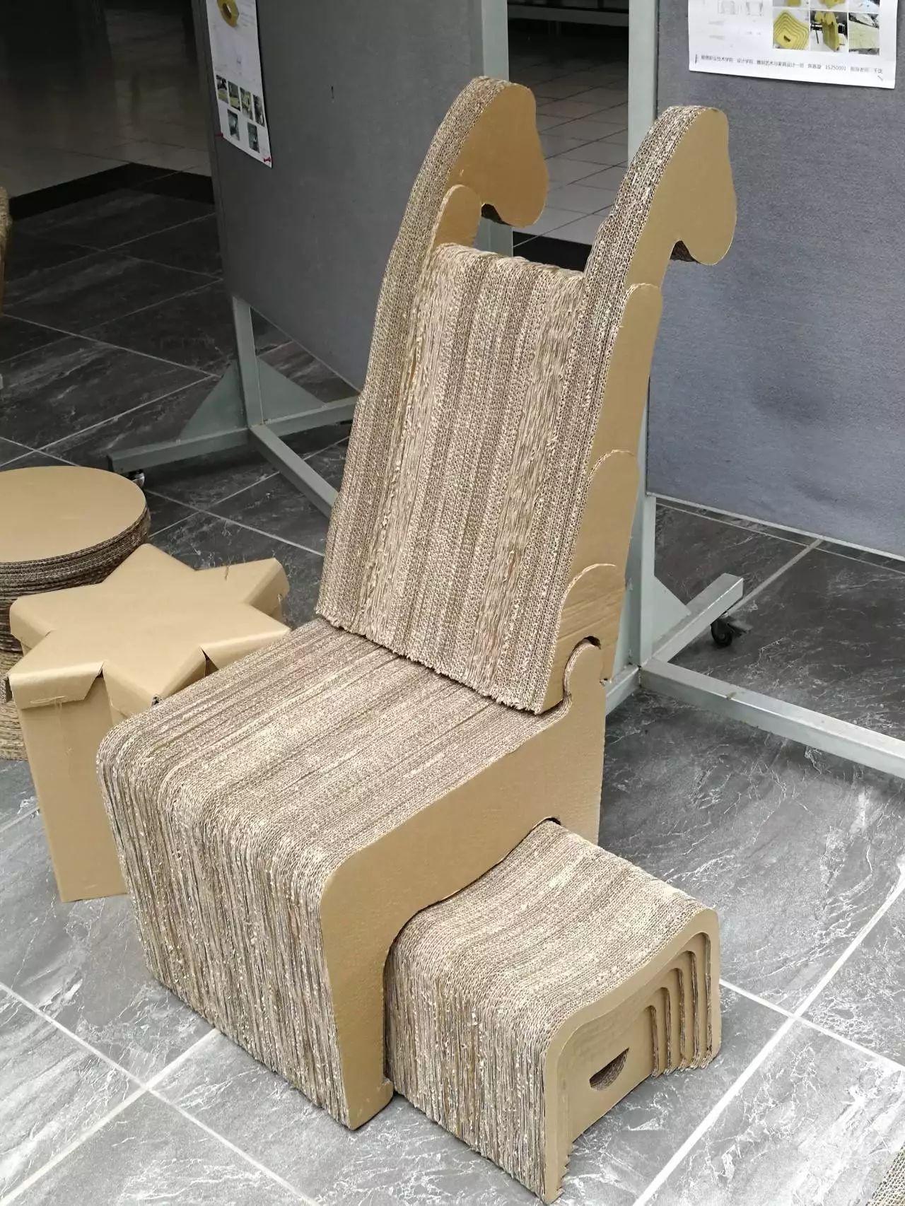 文化 正文  利用瓦楞纸制作而成的家具,不仅100%可以回收,关键其耐用