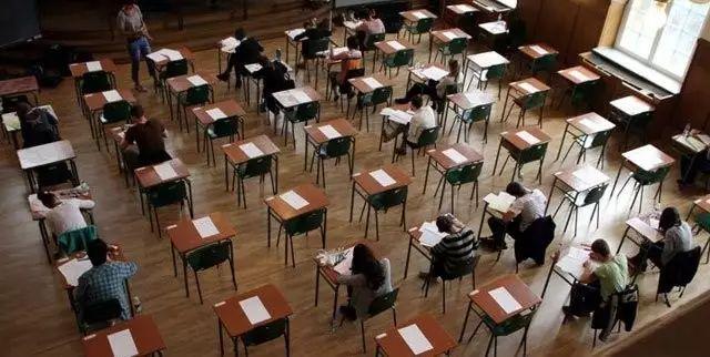 我被法国高中生的考试题吓到了…… | 智见