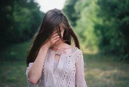 我站着干女人_远嫁的女人,可能是一个好儿媳,好妻子和好妈妈,但却做不了好女儿.