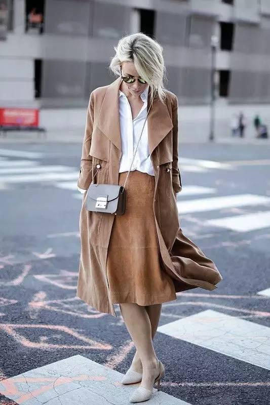风衣+裙子,时髦又有女人味! 16