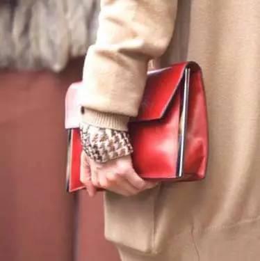 女生必须知道的包包和衣服的搭配技巧!! 5