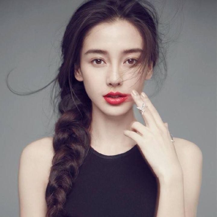 Baby杨幂的妆容都离不开的高级感,你get到了吗? 2