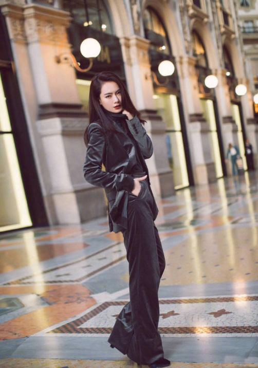 帅气温柔的西装女王 米兰时装周上你被戚薇撩到了么
