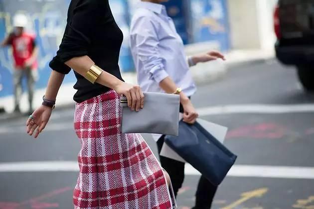 女生必须知道的包包和衣服的搭配技巧!! 10