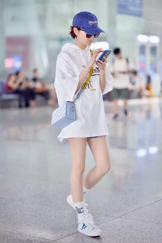 小白鞋的新标配,女明星们都在穿!