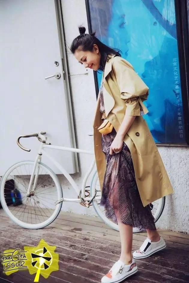 风衣+裙子,时髦又有女人味! 7