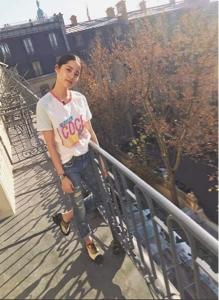 00后小花欧阳娜娜成时尚界新宠,私服穿搭难掩青春活力 8