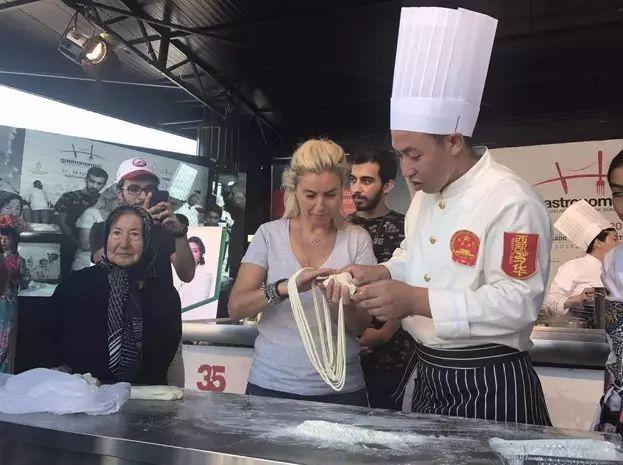 世界三大美食菜系齐聚老皇宫,中华第一面香飘伊斯坦布尔