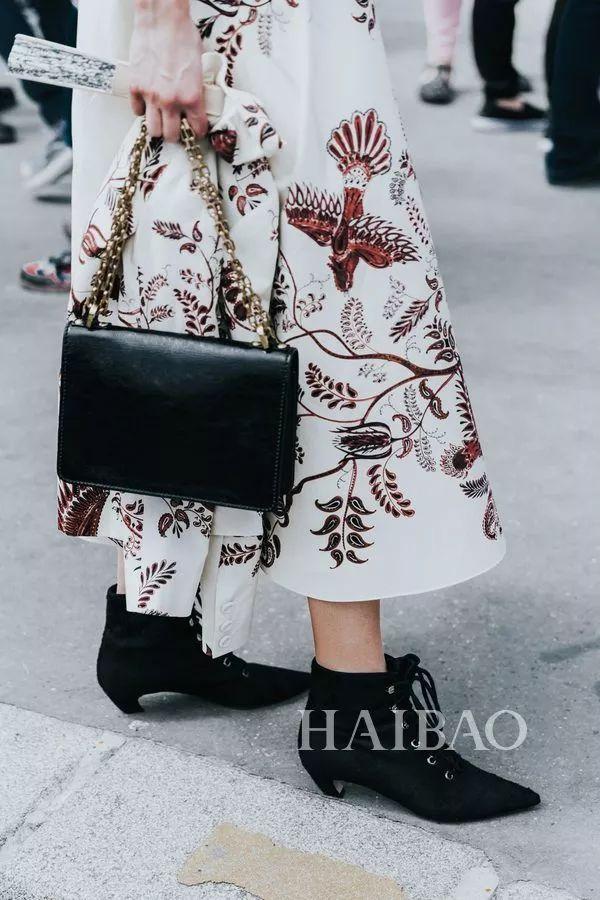 秋季要穿长裙+短靴,又仙又帅好看到犯规! 31