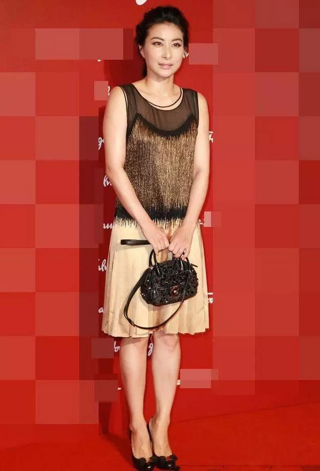 35岁郭晶晶同框30岁刘亦菲,气质完全不在一个档次上!