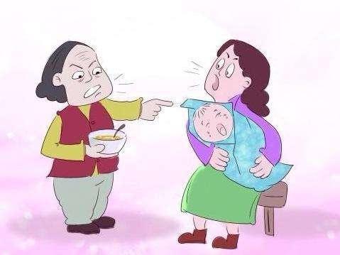 婆媳吵架_婆婆和媳妇在一旁吵架,孩子却在做这种事!