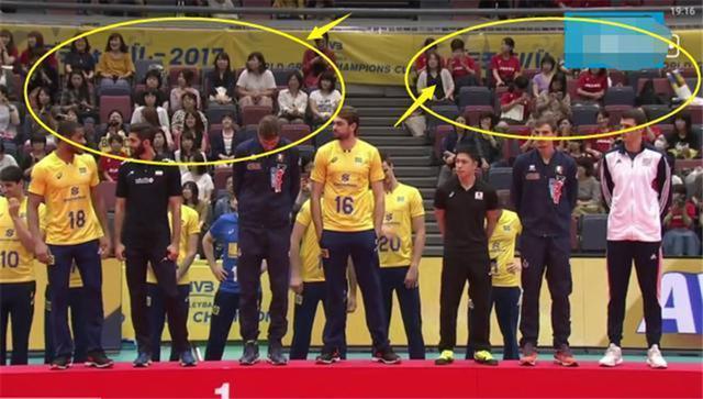 巴西夺冠日本观众送去祝福巴西小将却对日本裁判做出侮辱手势!