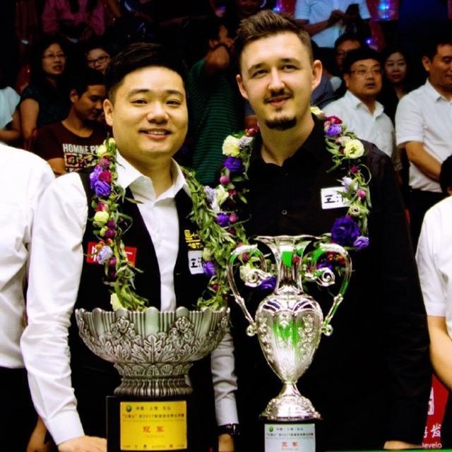 丁俊晖13冠+133万,冠军献天堂中母亲,80后世界第一!