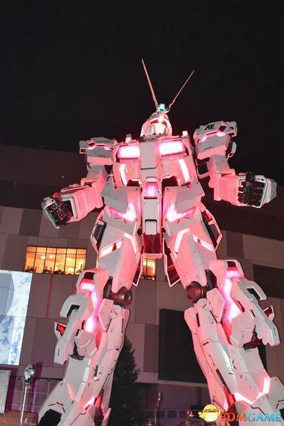 联动版《高达独角兽vr》最新体感游戏同时在东京台场的万代娱乐城