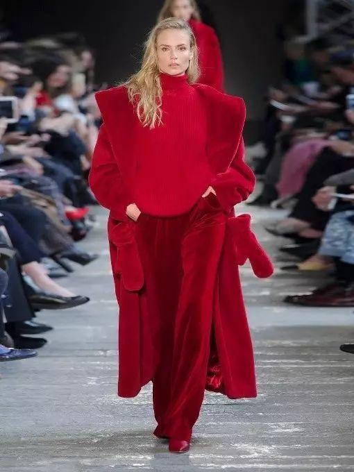 16件红大衣,还不够你穿三年?