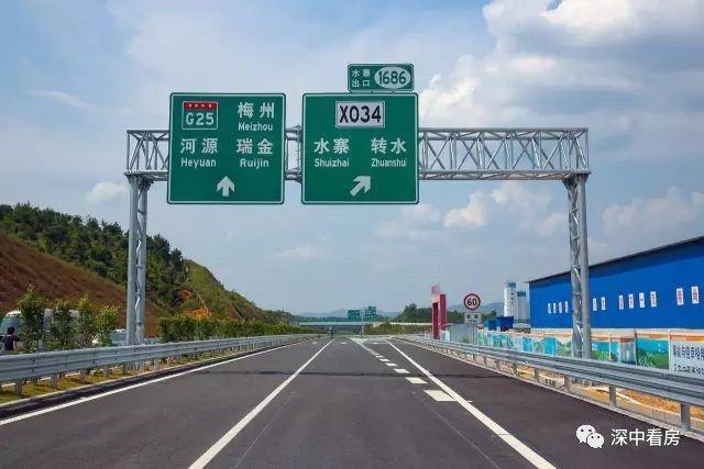 从新寨互通至接汕湛高速的樟树塘互通设计速度为120公里/小时.图片