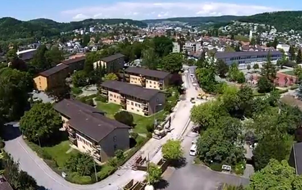 人口只有2万的瑞士小镇,却非常富足,上学看病不花钱