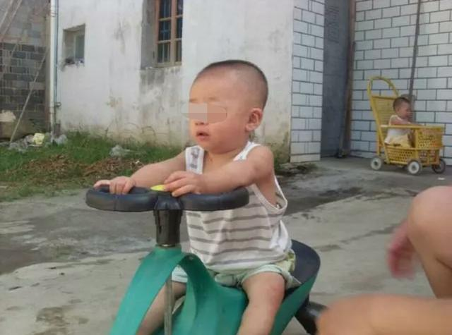 爸爸偷偷愹.���$_两岁儿子查出脑瘫,原因爸爸偷偷给喝这个,妈妈气得直跺脚