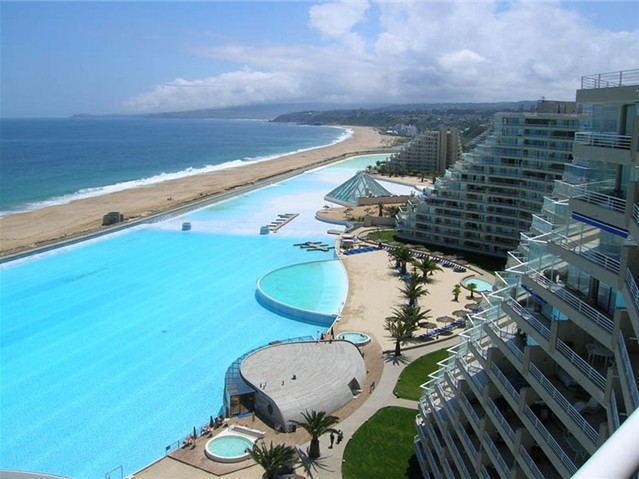 世界最牛泳池,比一般泳池大6000倍,用了五年耗费近九十亿才建成
