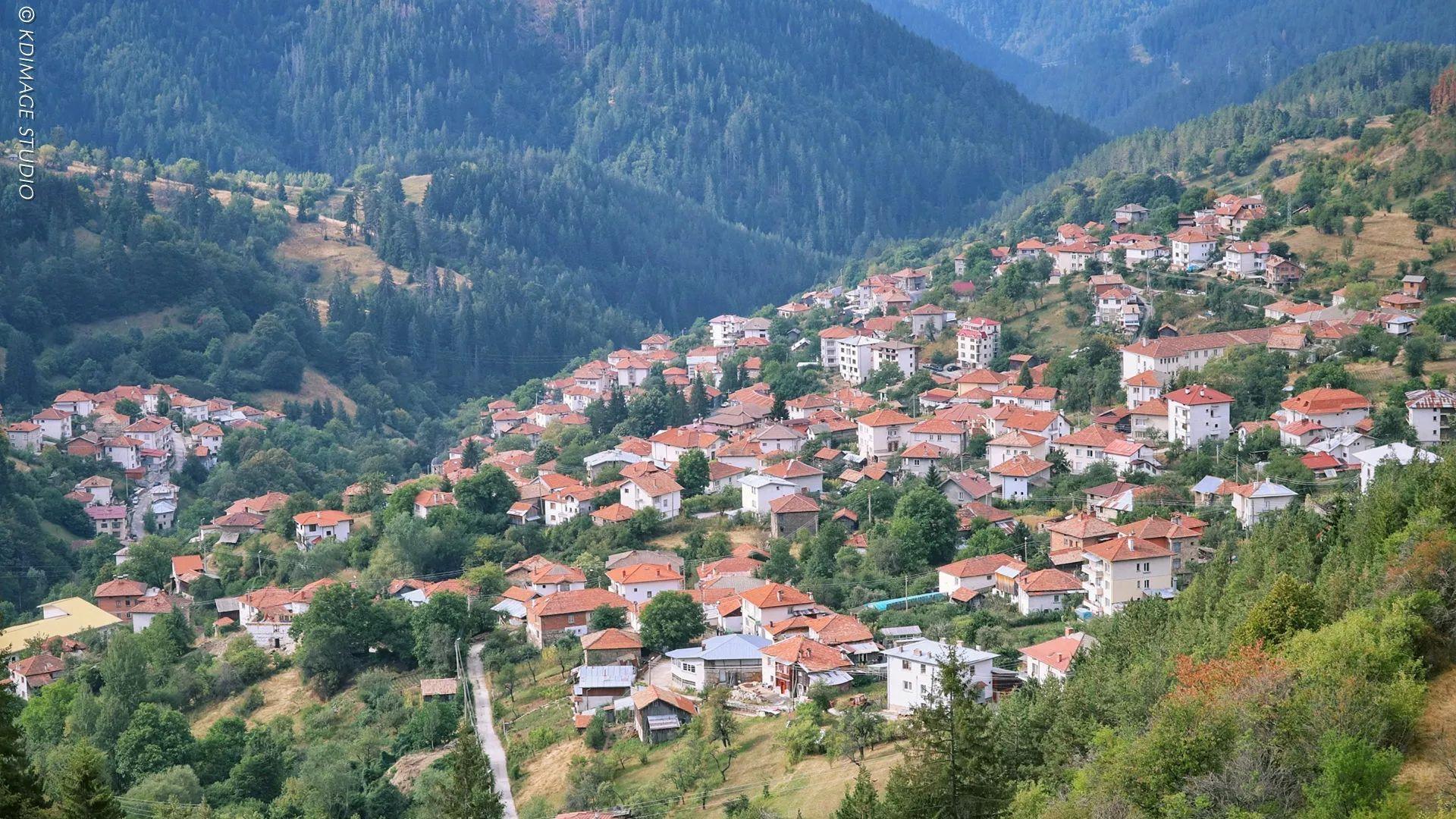 别只去英国法国了,欧洲还有个保加利亚,景美人美还便宜!