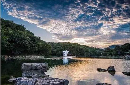 人均消费:4k—5k 老山位于南京浦口境内,国家森林公园中心区域,属于图片