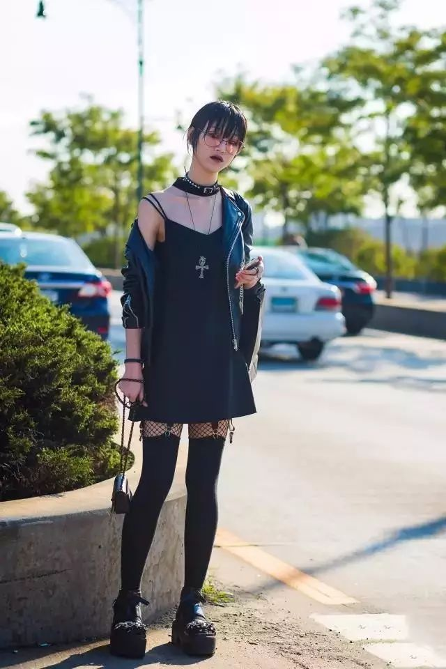【搭配】秋天穿这样穿连衣裙,不要太美了! 30