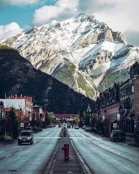 这个被《孤独星球》评为2017年最佳旅行地TOP1的国家,即将迎来最美的季节。