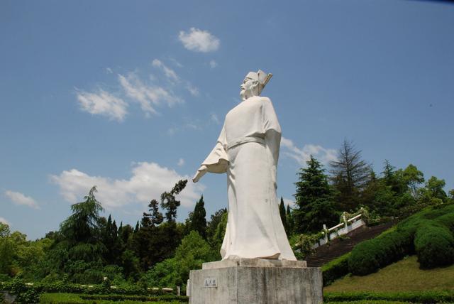 江西一座名气被所辖县级市掩盖的城市,被誉中国将军市却鲜为人知