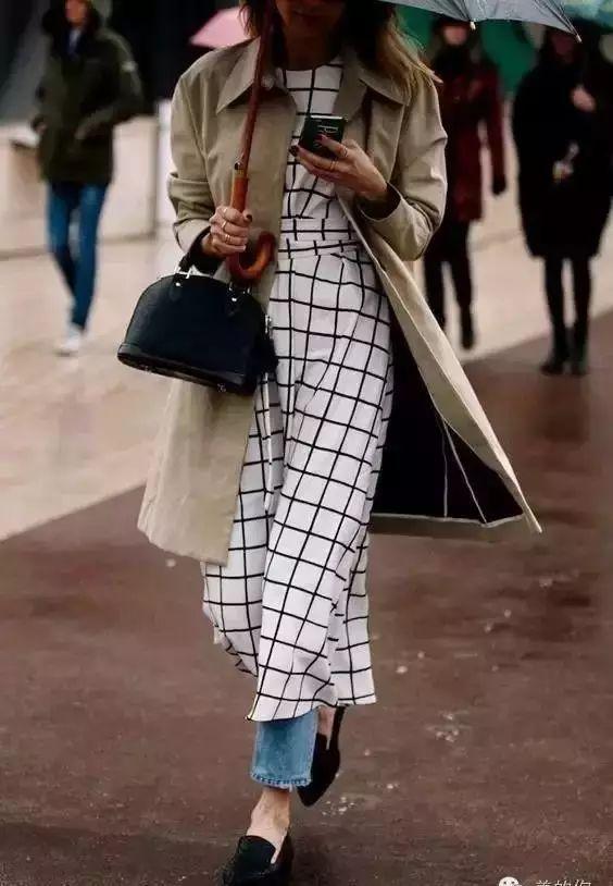 【搭配】秋天穿这样穿连衣裙,不要太美了! 19