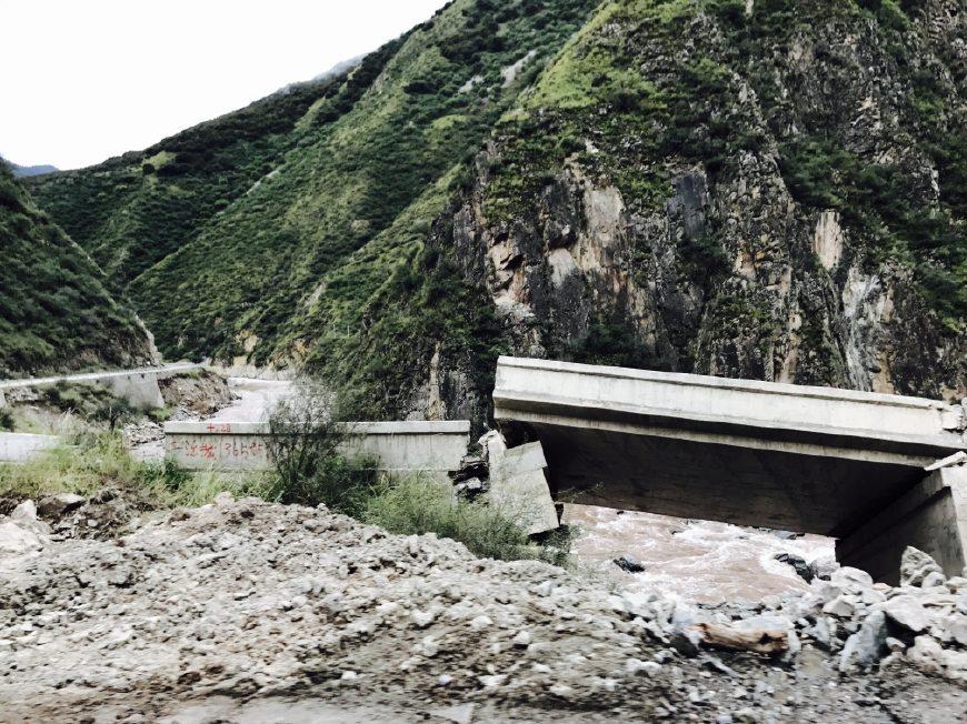 自驾进藏路过海通沟、72道拐、怒江天险,川藏老司机事实分享!