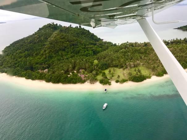 出行 | 有种普吉岛,让你开着小型飞机俯瞰岛屿,学着采收榴莲,在月光下沉睡
